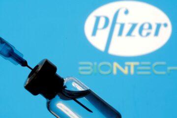 Carregamento com 3,2 milhões de doses da Pfizer chega ao Brasil