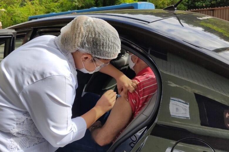 Covid: Monlevade começa a vacinar pessoas com 58 anos