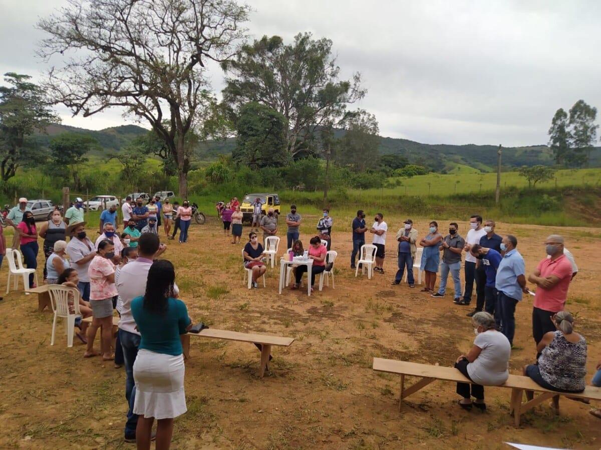 Moradores reivindicam melhorias para a região do Córrego do Meio