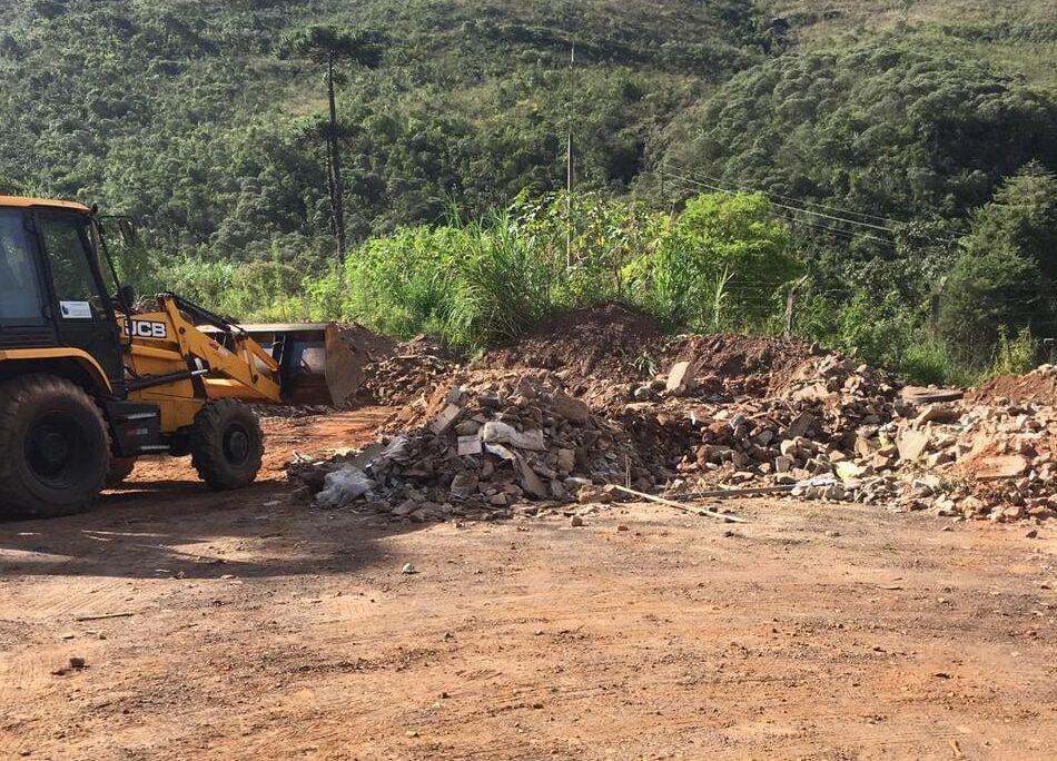 Concessionária de água e esgoto faz bota-fora em área preservada e trava impasse com Prefeitura de Ouro Preto