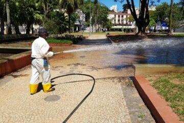Itaurb faz desinfecção de praças e mutirão no Gabiroba