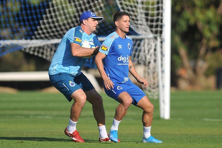 Thiago Neves lembra rusga com Rogério Ceni no Cruzeiro: 'Se achou demais'