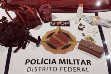 Polícia encerra festa com aglomeração, armas e tráfico de drogas