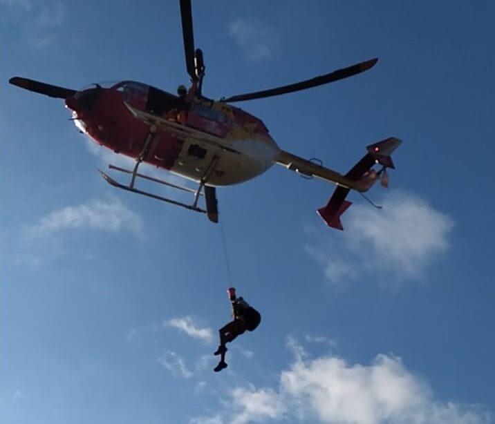 Dupla se perde em trilha e é resgatada de helicóptero