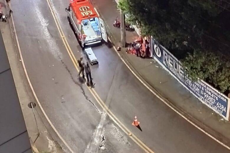 Colisão entre motos deixam duas pessoas feridas em Itabira