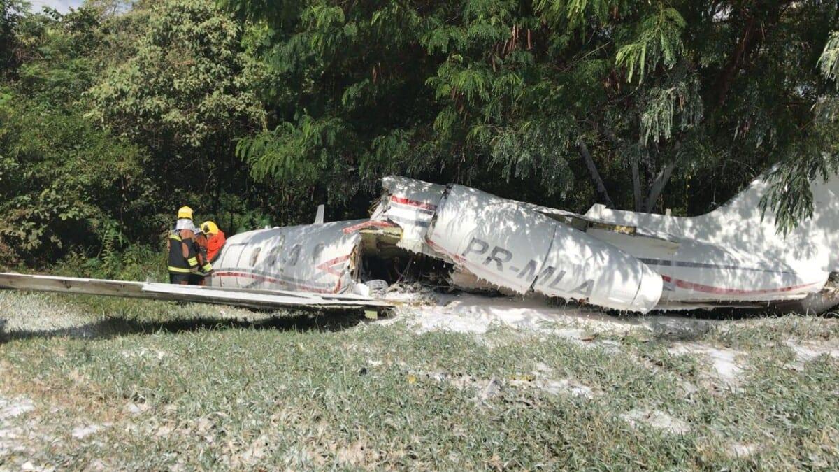 Acidente com avião mobiliza bombeiros no aeroporto da Pampulha