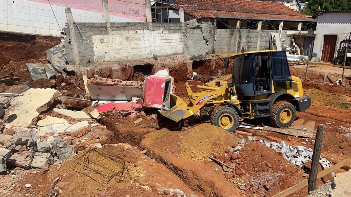 Trabalhador é encontrado morto após desabamento de muro