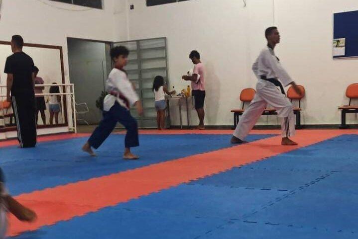 Itabiranos participam de competição estadual online de Taekwondo