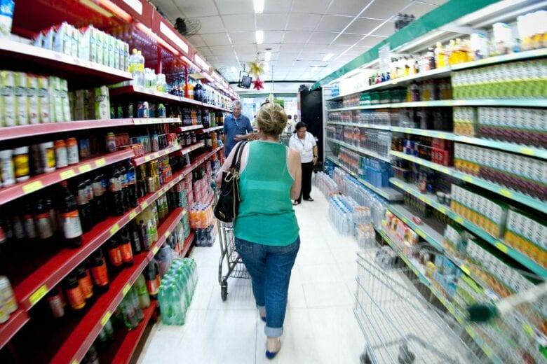Dieese: custo da cesta básica cai em 12 capitais em março