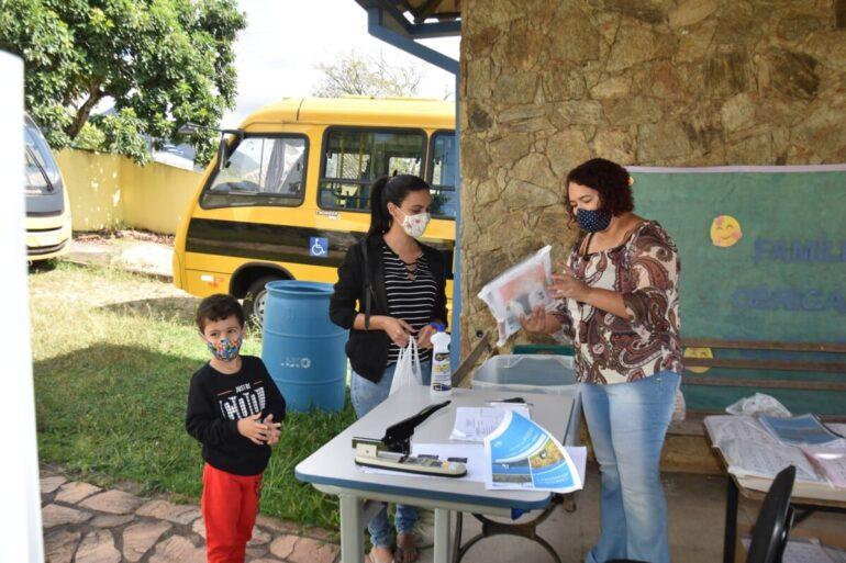 Prefeitura de Catas Altas distribui Kit Merenda Escolar a alunos do município