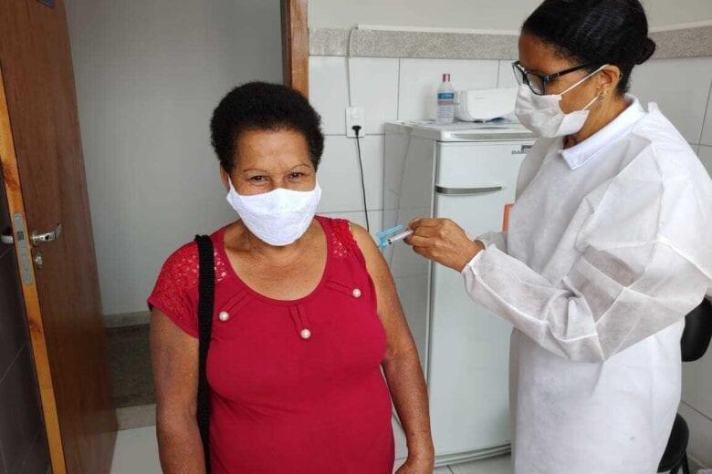 PSFs abrem as portas para vacinação contra a Covid-19 e Influenza em Itabira