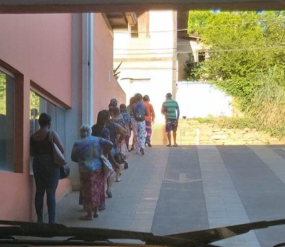 Comércio de Conceição registra grandes filas; moradores culpam decreto