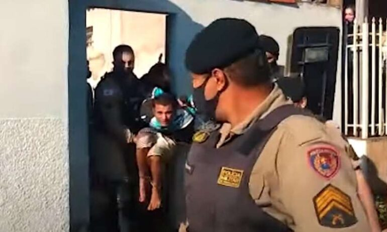 Homem é preso depois de manter a namorada em cárcere privado