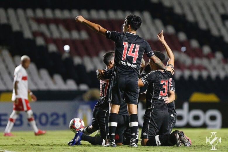 Próximo rival do Cruzeiro, Vasco goleia CRB na Série B; veja os gols