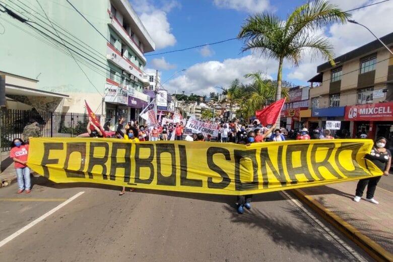 Protesto contra Bolsonaro acontece tímido e com pouca adesão em Itabira