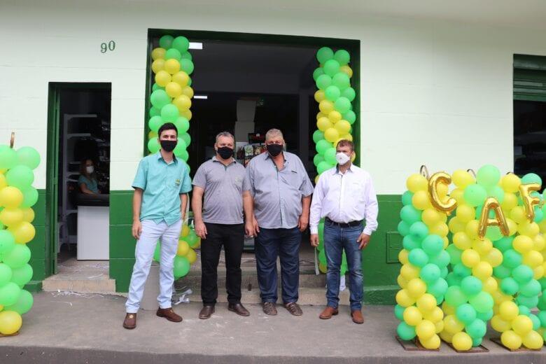 Referência no ramo cooperativista, CAFEL reinaugura loja em Ferros