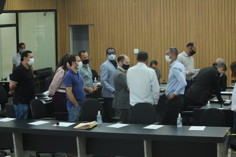 Vereadores deixam bloco parlamentar e travam comissões da Câmara de Itabira