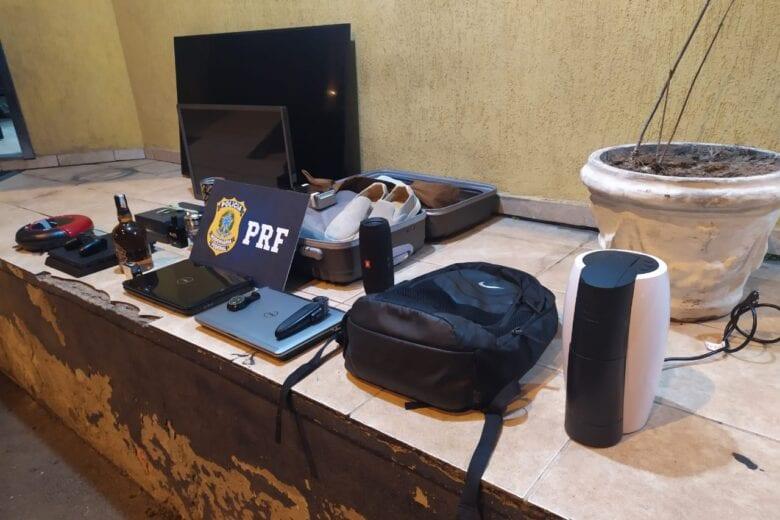 PRF detém suspeitos de furtar em residências na cidade de Itabira