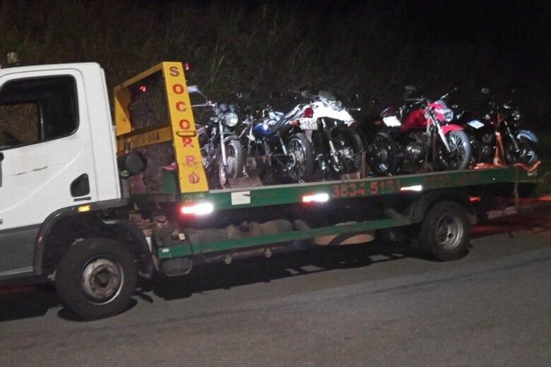 Motocicletas usadas na prática de direção perigosa são apreendidas em Itabira