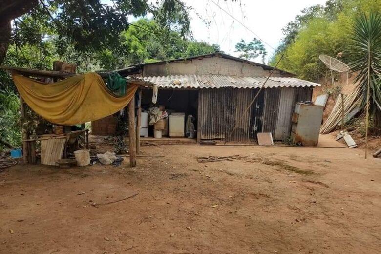 Cuidadora de idosos em Itabira cria vaquinha para reformar casa dos pais