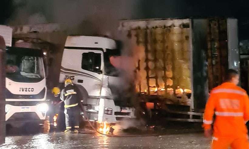Caminhoneiro morre carbonizado em posto no Anel Rodoviário em BH