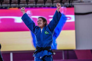 Mayra Aguiar faz história e conquista medalha no judô