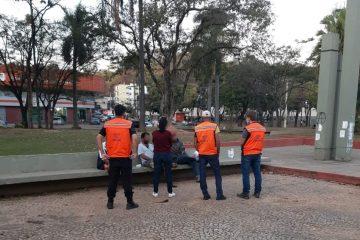 Prefeitura de Itabira realiza abordagem noturna a pessoas em situação de rua