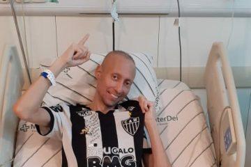 Morre Felipe Silveira, torcedor do Galo que lutava contra câncer