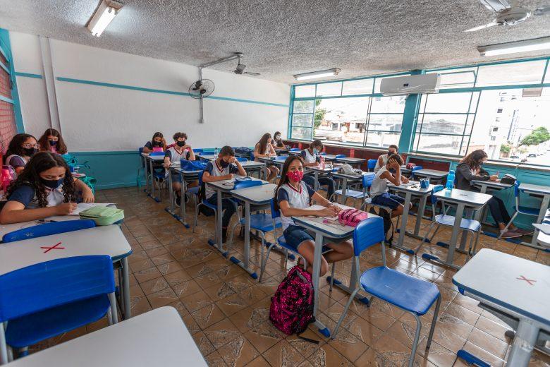 Ipatinga anuncia retorno das aulas 100% presenciais em agosto