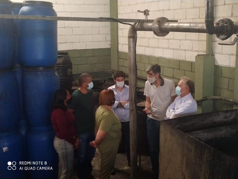 Secretarias realizam visita técnica para avaliar equipamento de tratamento do lixo em São Gonçalo