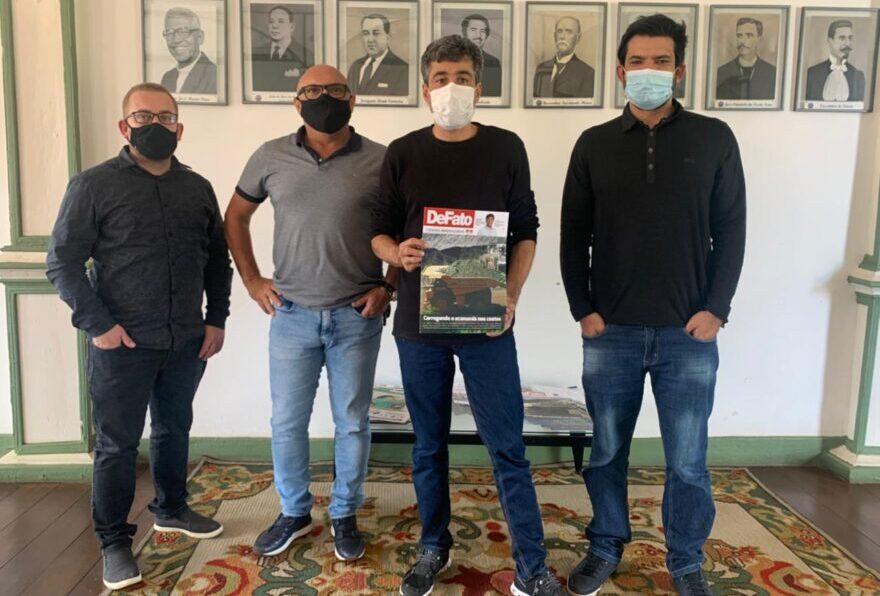 Direção da DeFato visita a Prefeitura de Conceição do Mato Dentro