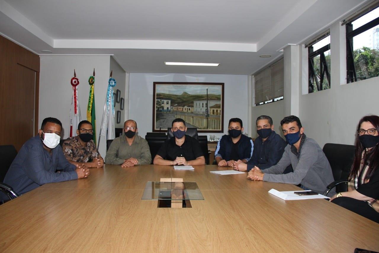 Câmara de Itabira: Vetão recebe comitiva de vereadores de Conceição do Mato Dentro