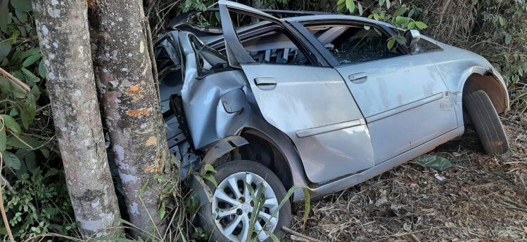 Motorista é socorrido após acidente na MG-434, em São Gonçalo