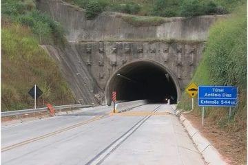 Veja o vídeo da demolição da ponte na BR-381; trânsito segue paralisado