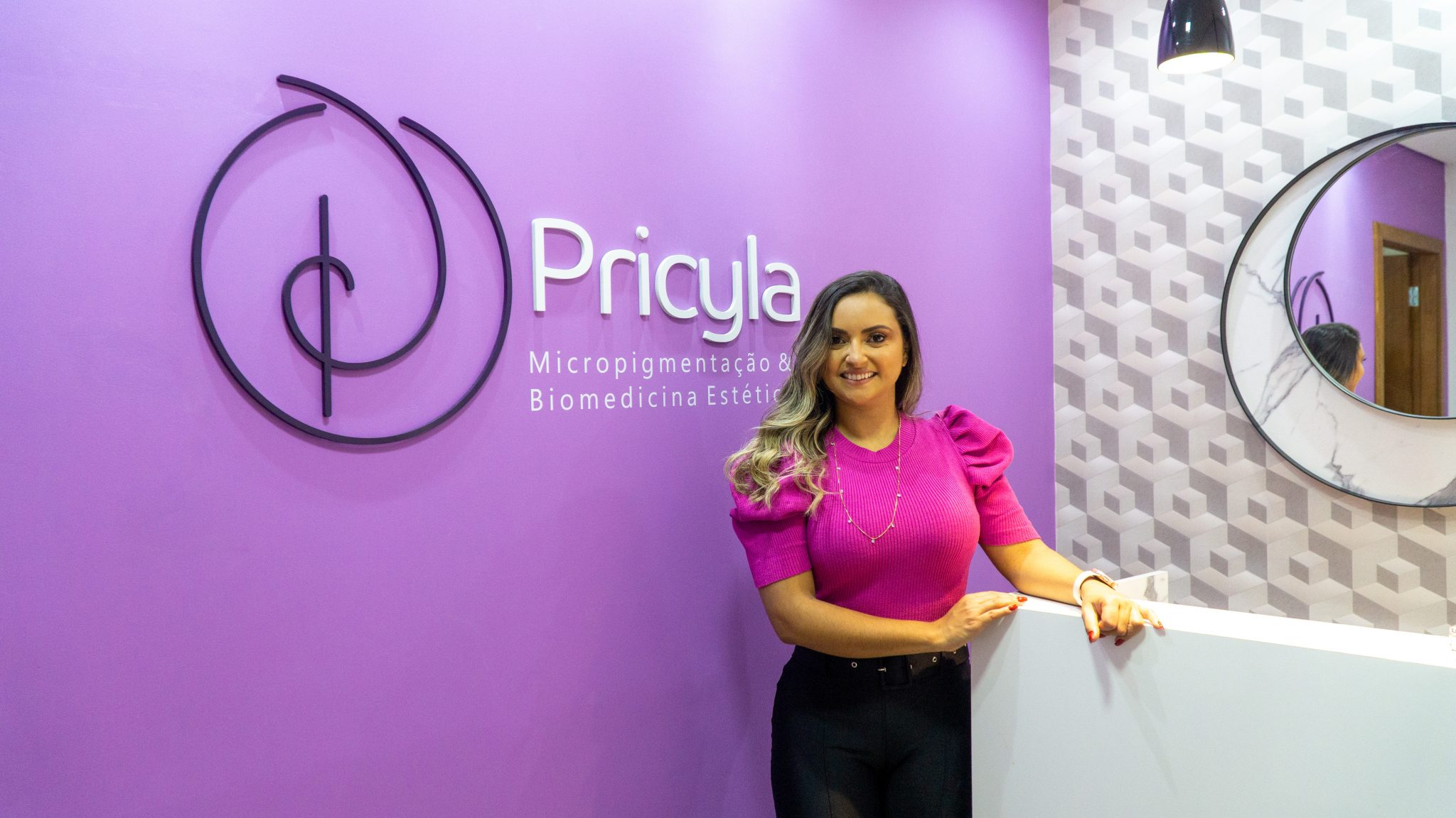 Prezando pelo atendimento humanizado, Pricyla Tomaz inaugura clínica de estética