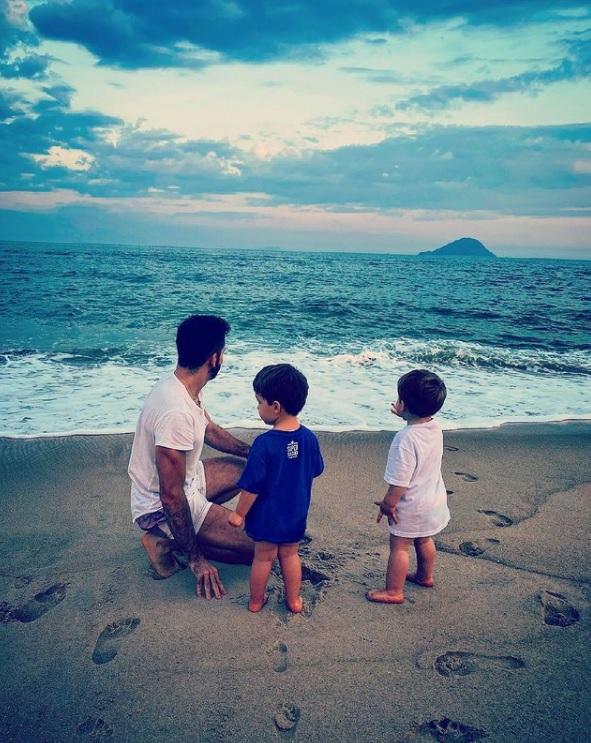 Thales Bretas relata paternidade sem Paulo Gustavo: 'Exausto e preenchido'