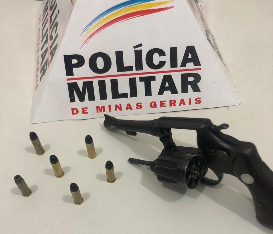 Jovem é preso de posse de revólver em Catas Altas
