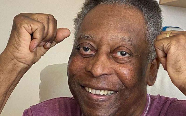 """Pelé agradece carinho e diz estar """"mais jovem"""" ao completar 81 anos"""