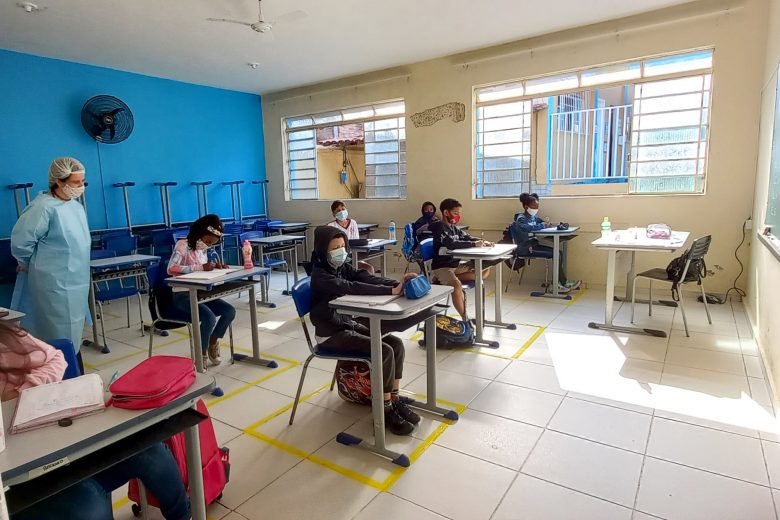 Santa Maria de Itabira retoma as aulas na rede municipal de ensino