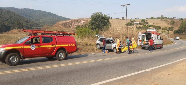 Motorista tenta fugir após acidente na MGC-120, mas é detido pela PM