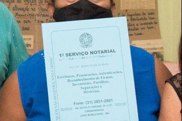 Regularização Fundiária: mais seis famílias monlevadenses recebem escrituras