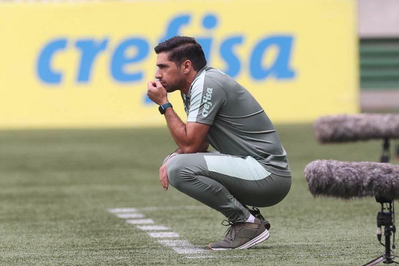 Sem notar o que acontecia à sua volta, Palmeiras sai atrás na briga pelo Brasileirão