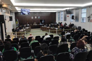 Em reunião amistosa, vereadores aprovam projetos e concedem homenagens em Monlevade