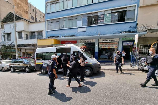 Polícia Civil fecha falsa agência de emprego e 21 pessoas são presas