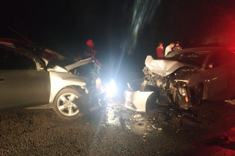 Colisão grave entre dois carros na BR-381, em João Monlevade, deixa sete pessoas feridas