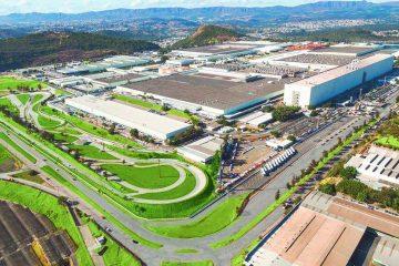 Trabalhadores de fábrica da Fiat em Betim aprovam acordo de suspensão temporária do contrato de trabalho
