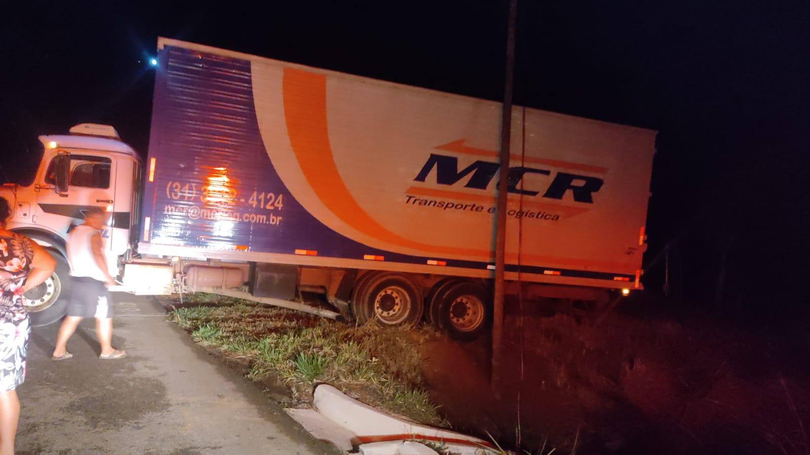 Nova Era: bandidos tentam roubar caminhão na BR-381