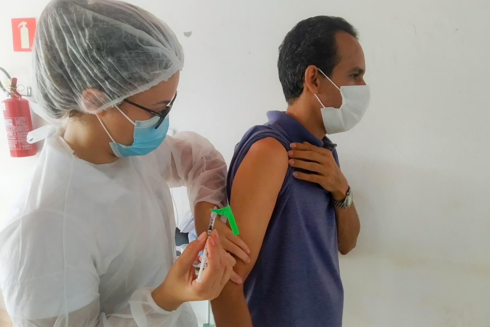 Covid-19: 100% da população adulta é vacinada em Conceição do Mato Dentro